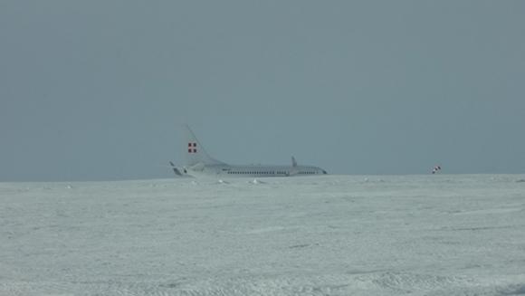 飛行機が着陸した状況
