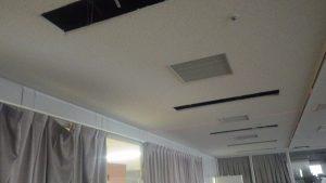 天井裏に配線
