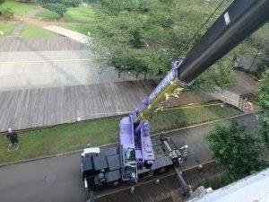 屋上から見たクレーン設置状況